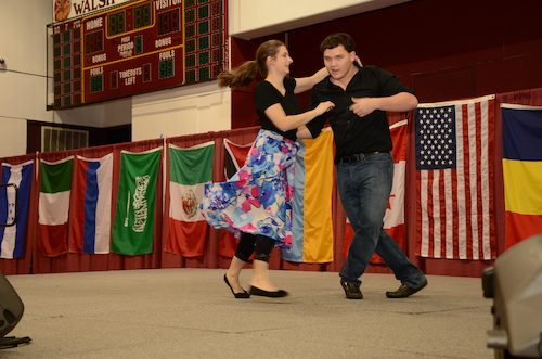 Salsa performed by Ernesto Solorzano and Alyssa Brown