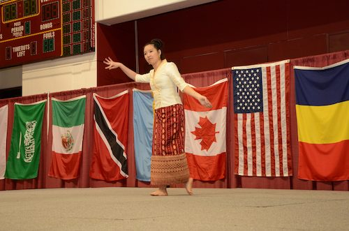 Traditional Thailand Dance by Chutinan Assawabovornan